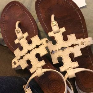 White phoebe Tory Burch sandals